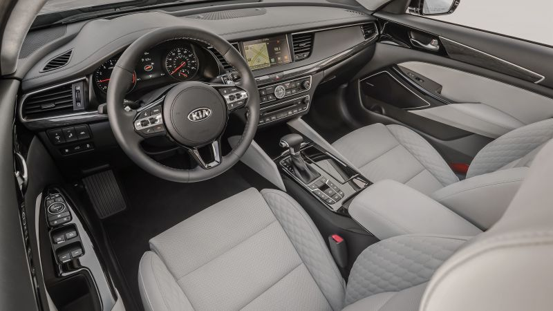 Kia Cadenza, NYIAS 2016, sedan, interior (horizontal)