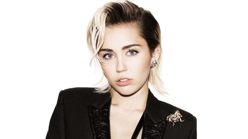 MILEY CYRUS, Most popular celebs (horizontal)