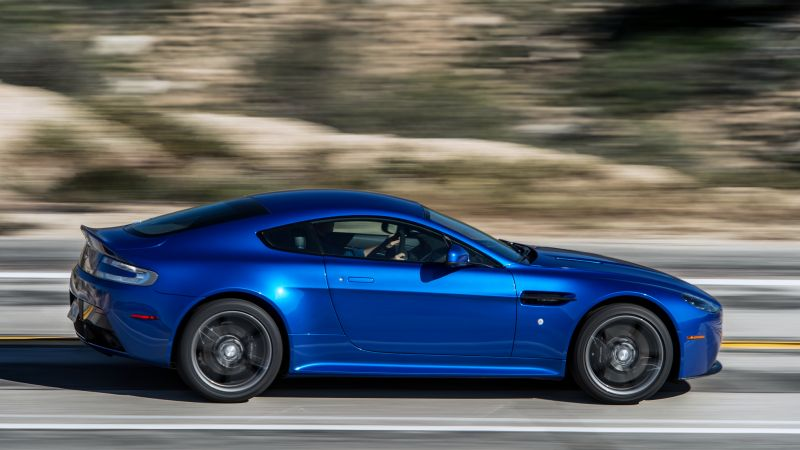 Aston Martin V8 Vantage GTS, racing cars, blue (horizontal)