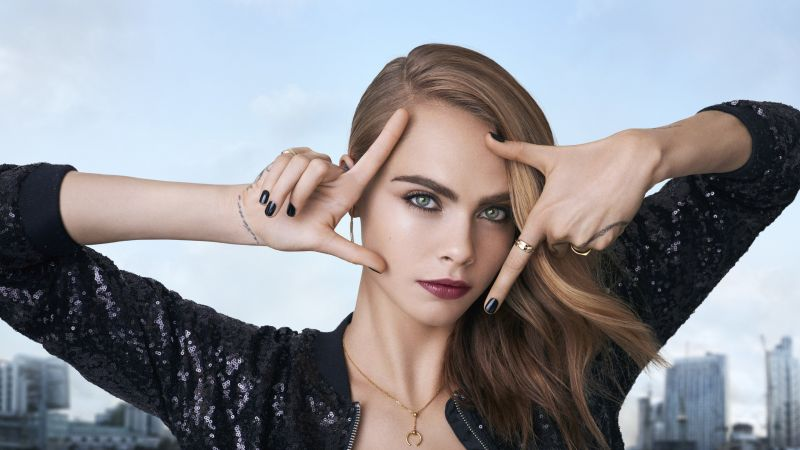 Cara Delevingne, model, actress, blonde, look, rocks, sea, water (horizontal)