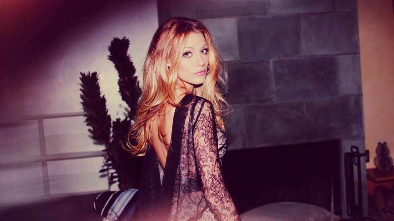 Blake Lively, Actress, Model, blonde, dress, look, light, room, Gossip Girl