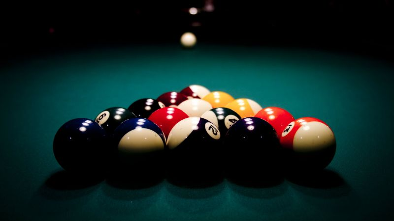 billard balls (horizontal)
