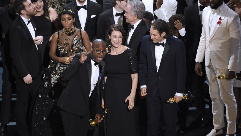 Oscar 2017, oscar mistake, best picture, Moonlight, La La Land