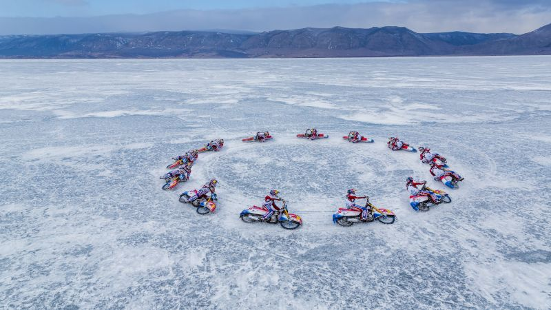 Lake Baikal, ice, motorcyclists, 5k (horizontal)