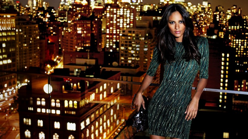 Emanuela De Paula, model, brunette, dress, city, night, lights, bag, look