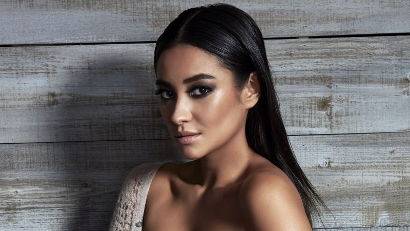 Shay Mitchell, hot, 5k (horizontal)