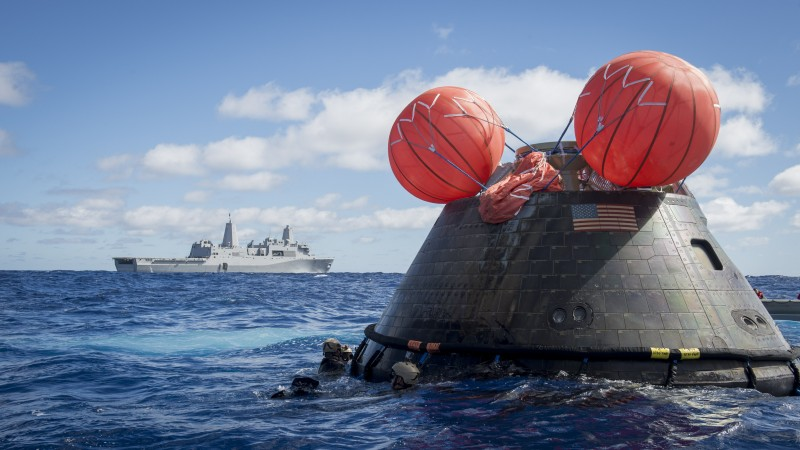 USS Anchorage, rescue mission, NASA, Orion spaceship, MC1, Gary Keen, combat camera (horizontal)