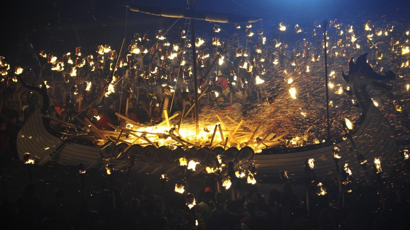 Up-Helly-Аa, Scotland, festival, fire, torchlight procession, Vikings, event (horizontal)