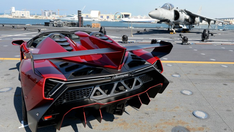 Lamborghini Veneno, supercar, Lamborghini, sports car, limited edition, aircraft, runway, back