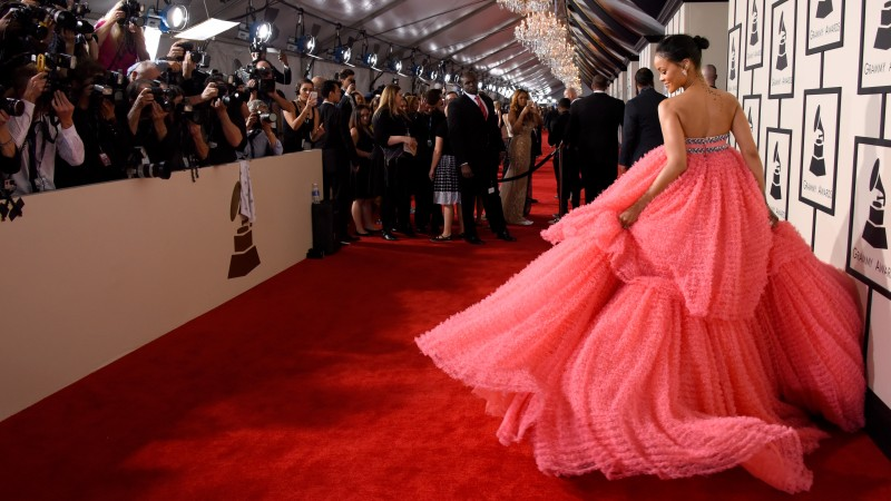 Rihanna, Most Popular Celebs in 2015, Grammys 2015 Best Celebrity, singer, actress, and fashion designer