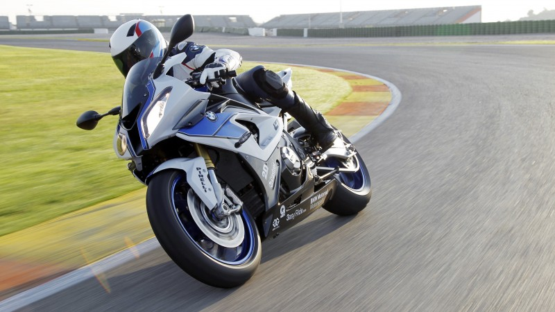 BMW S1000 RR, superbike, sport bike, racing, speed, test drive, review, racing track