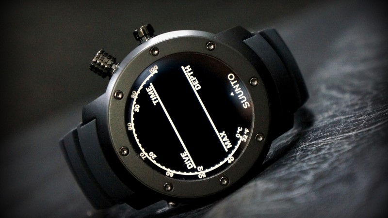 Suunto Elementum, watches, review, Terra, unboxing, display, interface, front, side (horizontal)