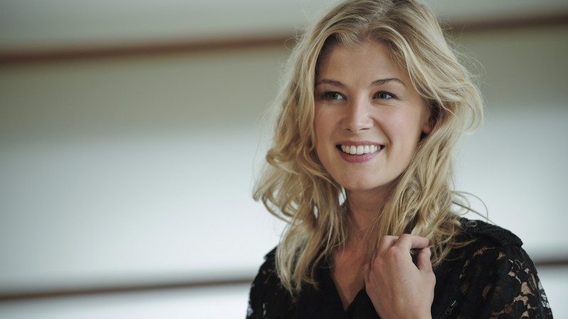 Rosamund Pike, Most Popular Celebs in 2015, Grammys 2015 Best Celebrity, actress, Gone Girl