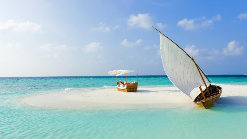 Baros Maldives, 5k, 4k wallpaper, Male Attols, Best Hotels of 2017, Best beaches of 2017, tourism, travel, resort, vacation, sea, ocean, water, boat, sky, clouds, World's best diving sites (horizontal)