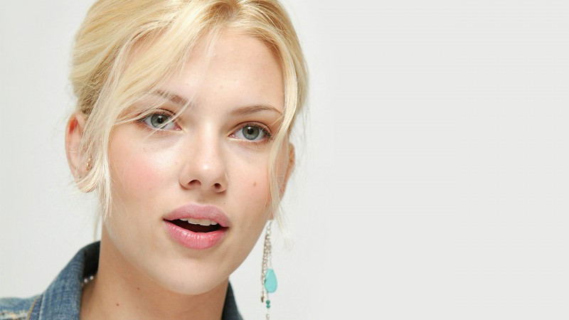 Scarlett Johansson, Most Popular Celebs in 2015, Actress, blonde, lips, portrait (horizontal)