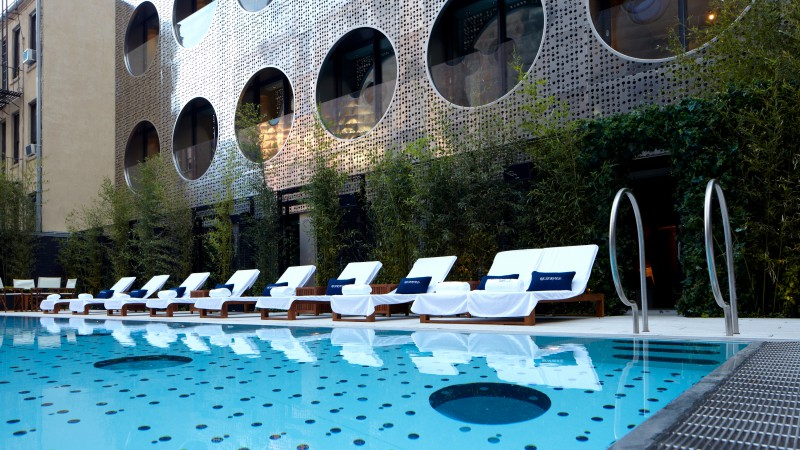 Dream Downtown Hotel, New York City, USA, The best hotel pools 2017, tourism, travel, resort, vacation, pool, sunbed (horizontal)