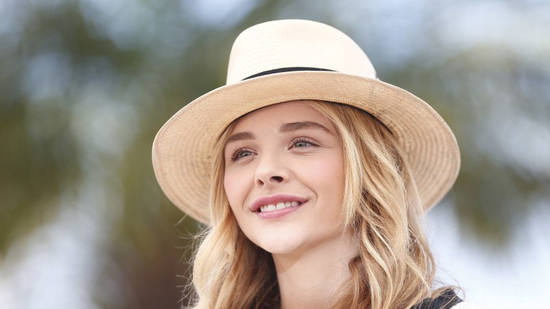 Chloe Moretz, actress, Most Popular Celebs in 2015, blonde, portrait (horizontal)