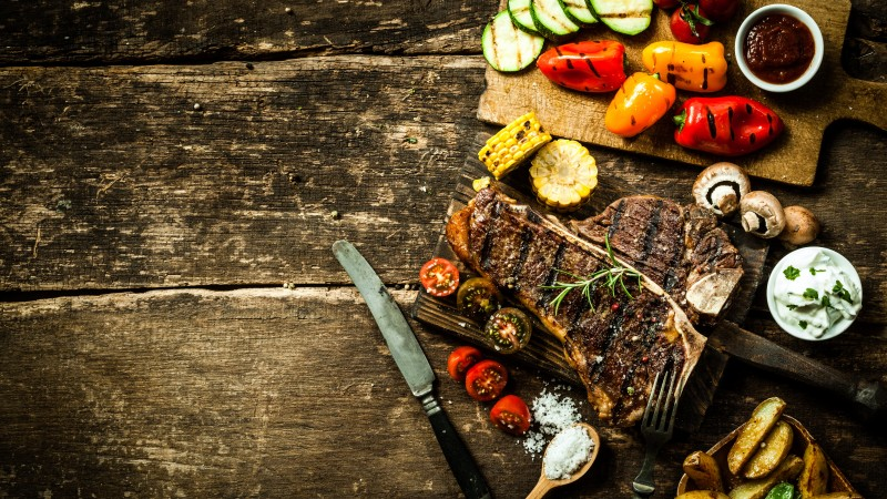 food, cooking, grill, vegetables, peppers, mushrooms, tomatoes, corn, potatoes, meat, steak, sauces. (horizontal)