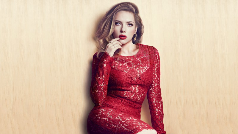 Scarlett Johansson, Most Popular Celebs in 2015, Actress, blonde, dress (horizontal)
