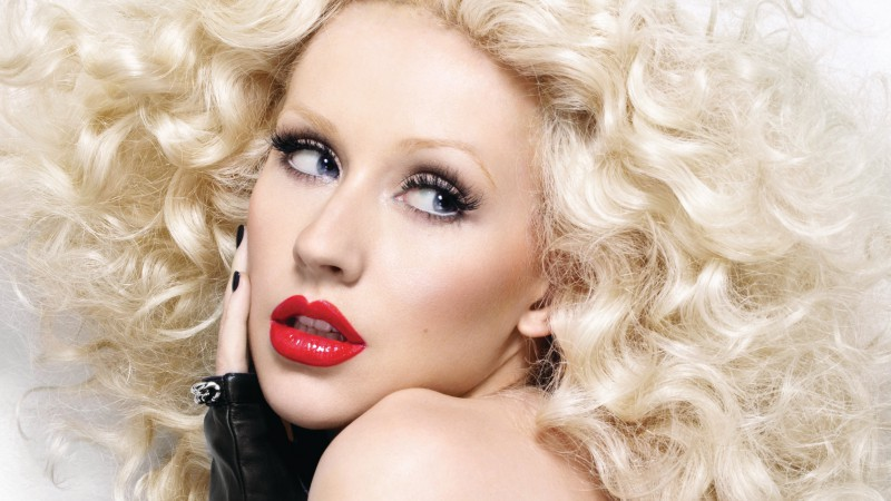Christina Aguilera, Most Popular Celebs in 2015, singer, actress, red lips, blonde