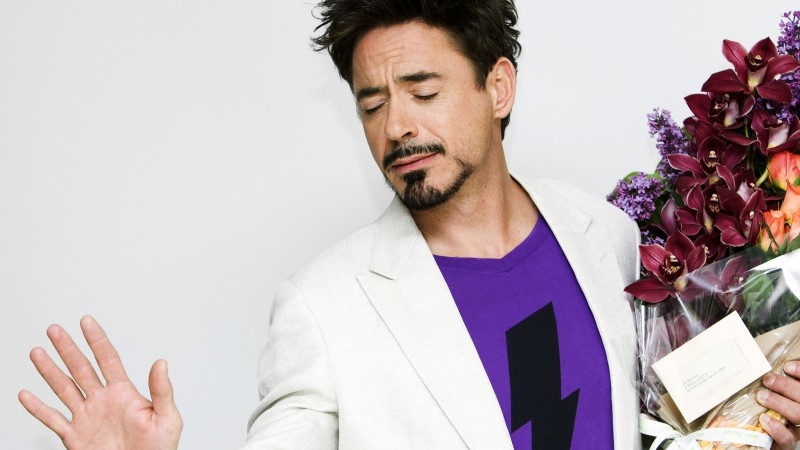 Robert Downey Jr., Most Popular Celebs in 2015, actor, flowers