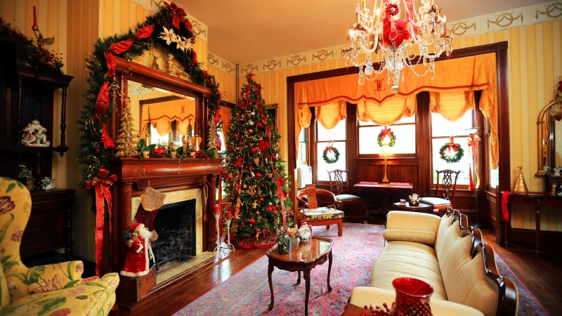 Amelia Island Williams House, Fernandina Beach, Florida, New Year, fireplace, decor, fir-tree, light