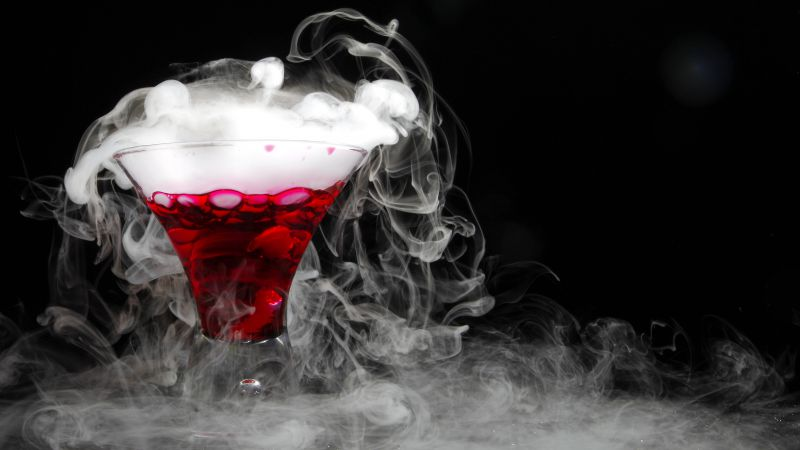 Cocktail, dry ice