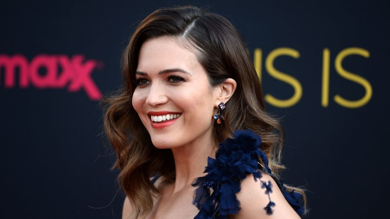Mandy Moore, Top music artist and bands, singer, actress (horizontal)