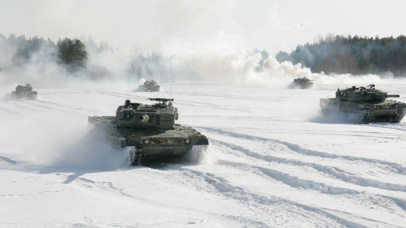 Leopard 2A4, German Army, tank, snow (horizontal)