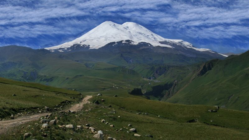 Elbrus, Kaukaz, mountains, volcano, sky, meadows