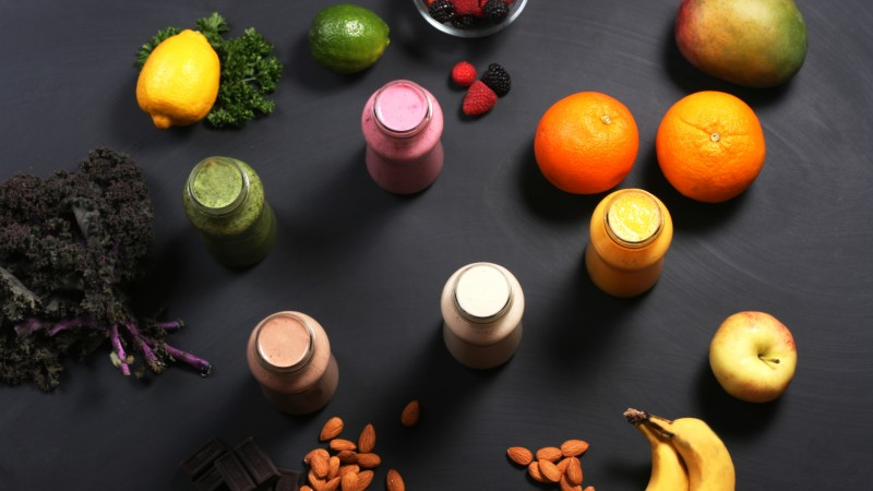 smoothies, fruit, banana, apple, orange, nuts, chocolate, mango, lemon, lime, blackberry, raspberry (horizontal)