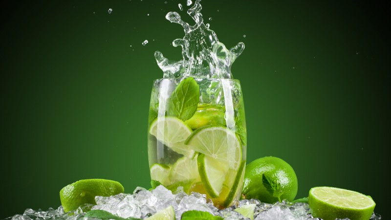 cocktails, lime, mint, water, ice (horizontal)