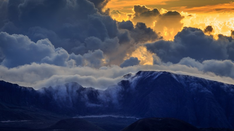 Haleakala, Maui, mountain, volcano, island, hawaii, clouds, sky, sunset, sunrise, amazing, blue