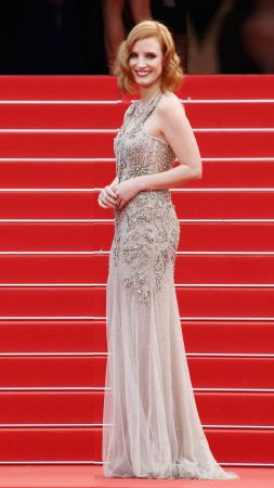 Jessica Chastain, Cannes Film Festival 2016, red carpet (vertical)