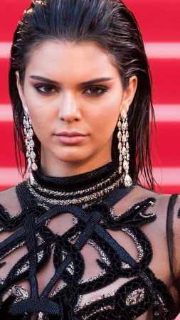 Kendall Jenner, Cannes Film Festival 2016, red carpet (vertical)