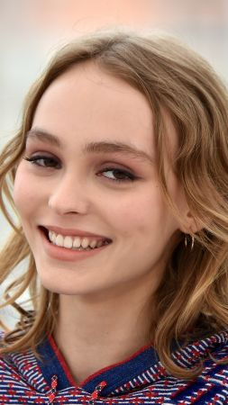 Lily-Rose Depp, smile, Cannes Film Festival 2016
