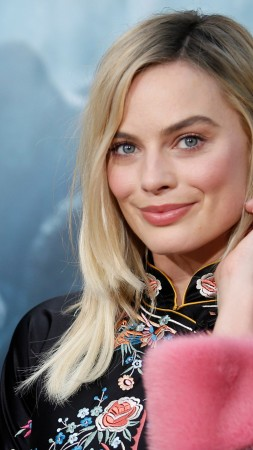 Margot Robbie, Most popular celebs, actress (vertical)