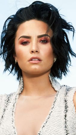Demi Lovato, Top music artist and bands, brunette (vertical)
