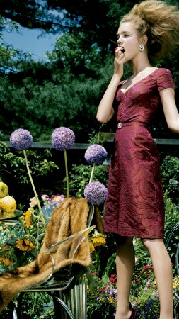 Liya Kebede, Natalia Vodianova, model, actress, philanthropist, blonde, red, dress, garden, fruit, robots, flowers (vertical)