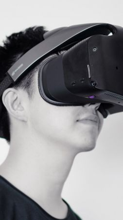 Intel Project Alloy, VR, IDF, Virtual Reality, Google VR, Hi-Tech News, VR headset (vertical)