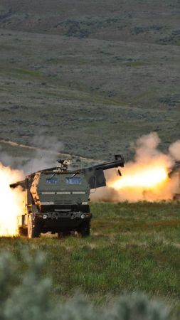 HIMARS, M142, vehicle, U.S. Army (vertical)