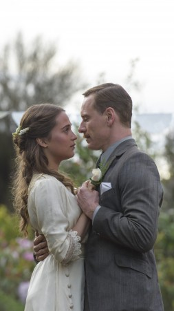 The Light Between Oceans, Michael Fassbender, Alicia Vikander (vertical)