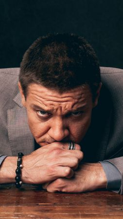 Jeremy Renner, Most popular celebs (vertical)