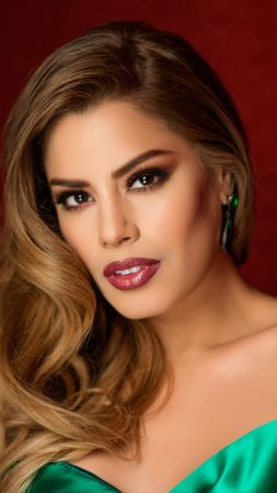Ariadna Gutierrez, Most popular celebs, model, actress (vertical)