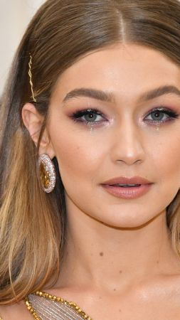 Gigi Hadid, Most popular celebs (vertical)