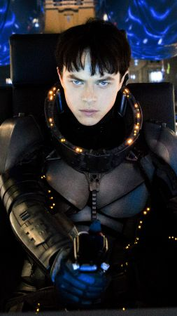 Valerian and the City of a Thousand Planets, Dane DeHaan, Luc Besson (vertical)