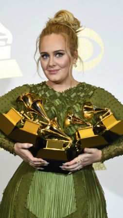 Adele, Grammy 2017, Grammy Awards, winner, dress (vertical)