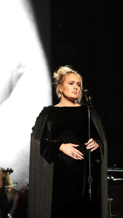 Adele, Grammy 2017, Grammy Awards, winner, dress