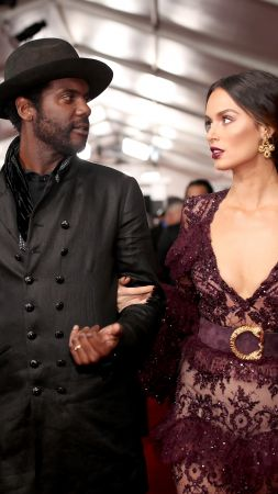 Gary Clark Jr, Nicole Trunfio, Grammy 2017 (vertical)