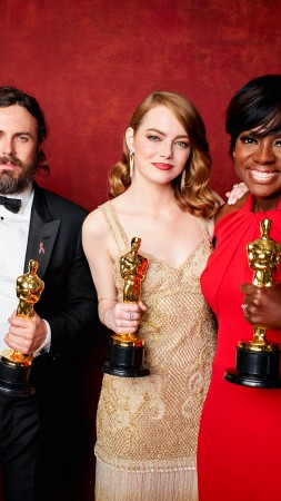 Oscar 2017, winners, Emma Stone, best picture (vertical)